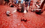 Paint it Red: 8 Fresh Photographs from Tomatina Festival in Eastern Spain